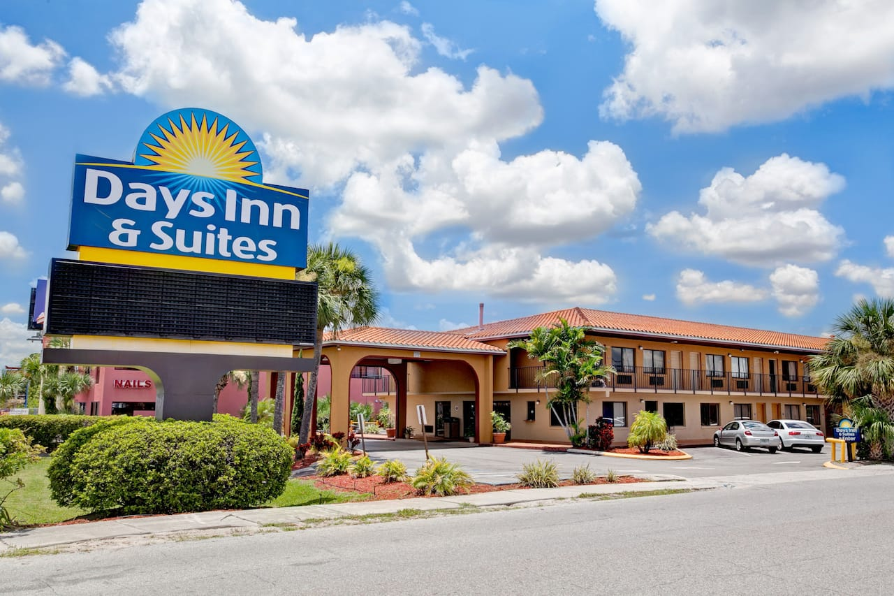 Days Inn & Suites Orlando/UCF Area Research Park in Titusville, Florida