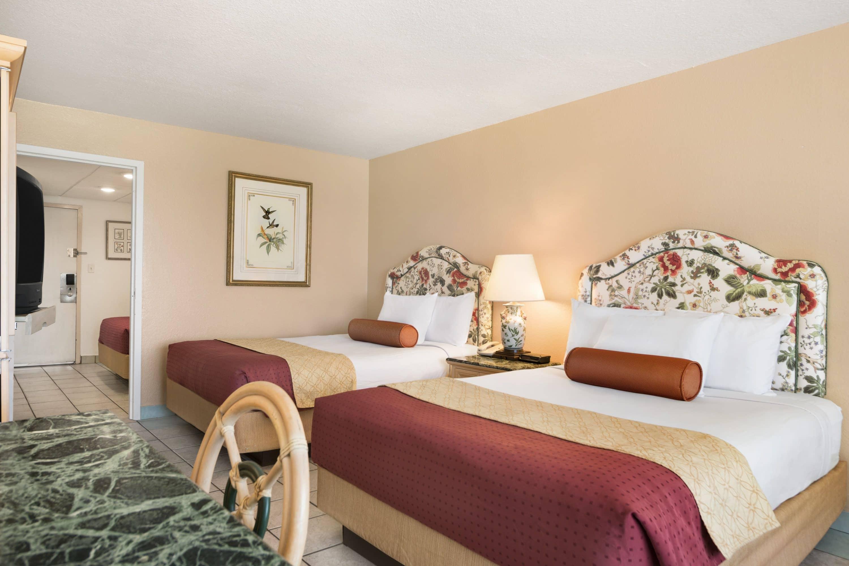 Days Inn Panama City Beach/Ocean Front suite in Panama City Beach, Florida
