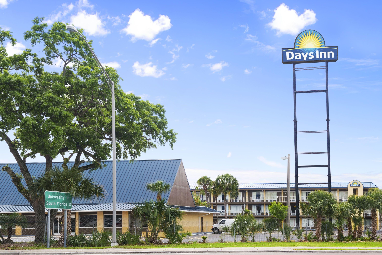 La Quinta Inn Tampa Near Busch Gardens Tampa Deals See Hotel Busch