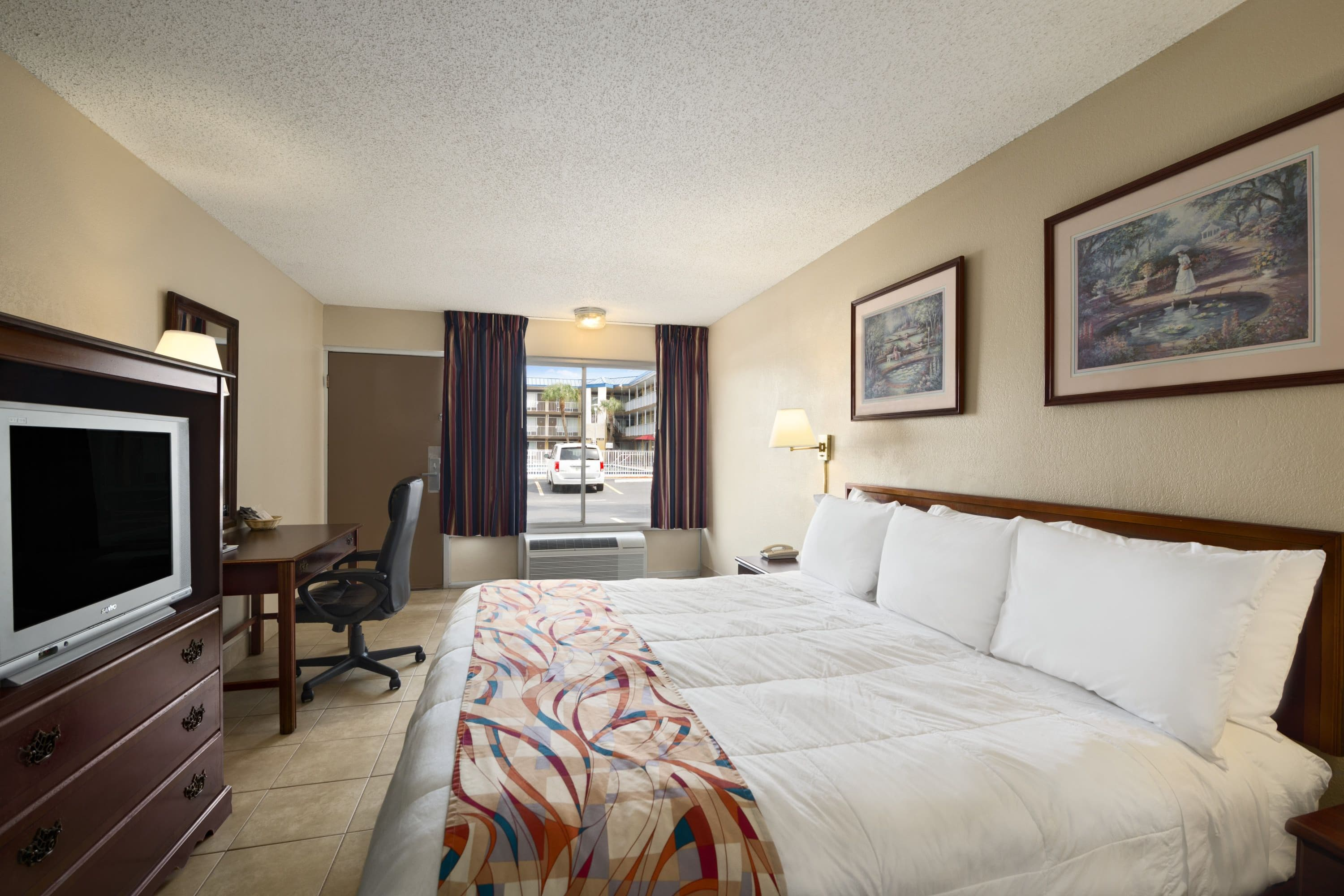 Days Inn North Tampa Near Busch Gardens Tampa Hotels FL 33612 2611