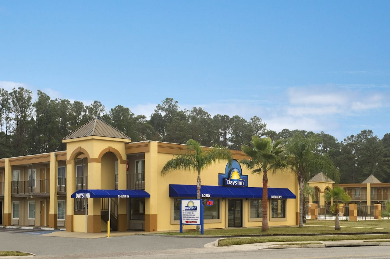 Days Inn Brunswick/St. Simons Area in Darien, Georgia