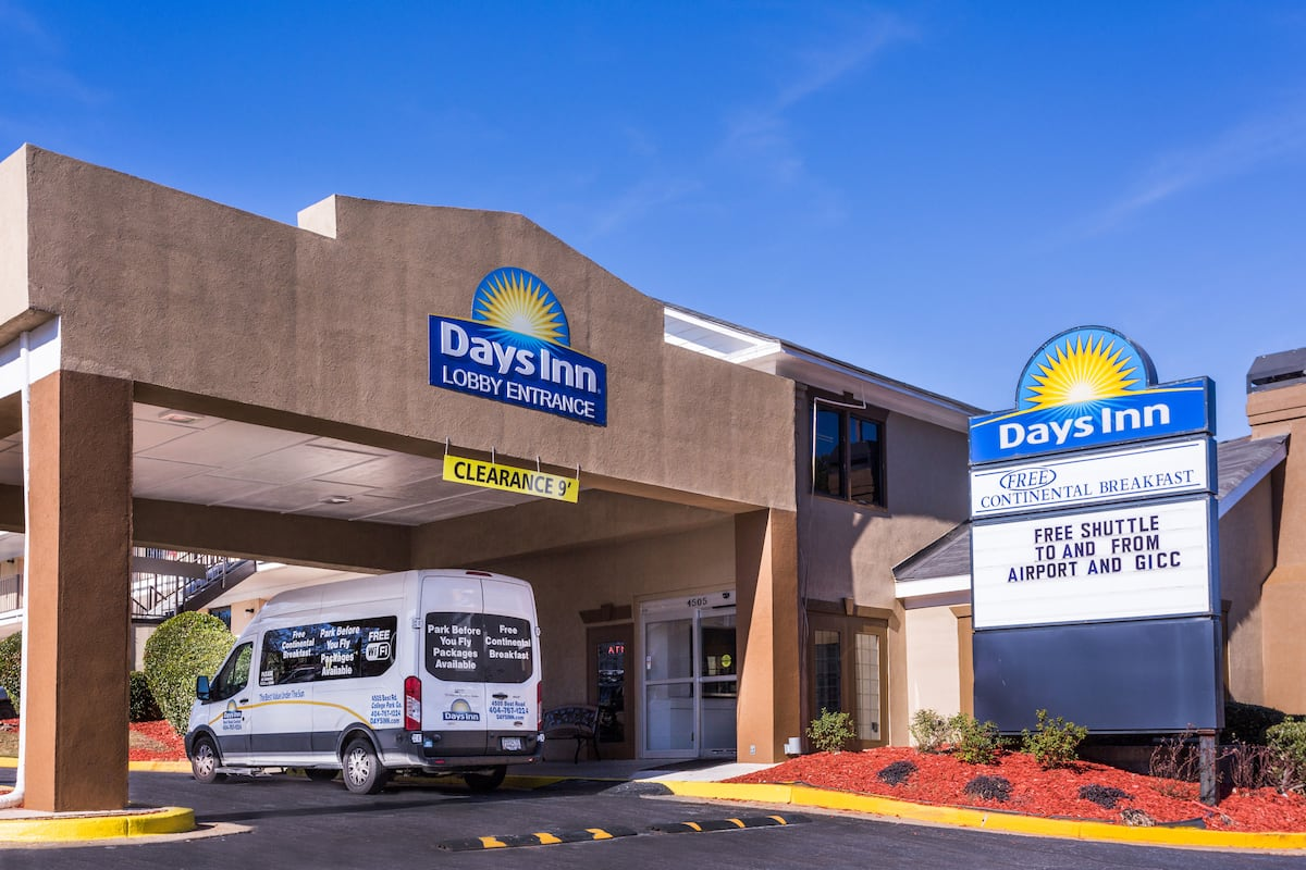Exterior Of Days Inn College Park Airport Best Road Hotel In Georgia