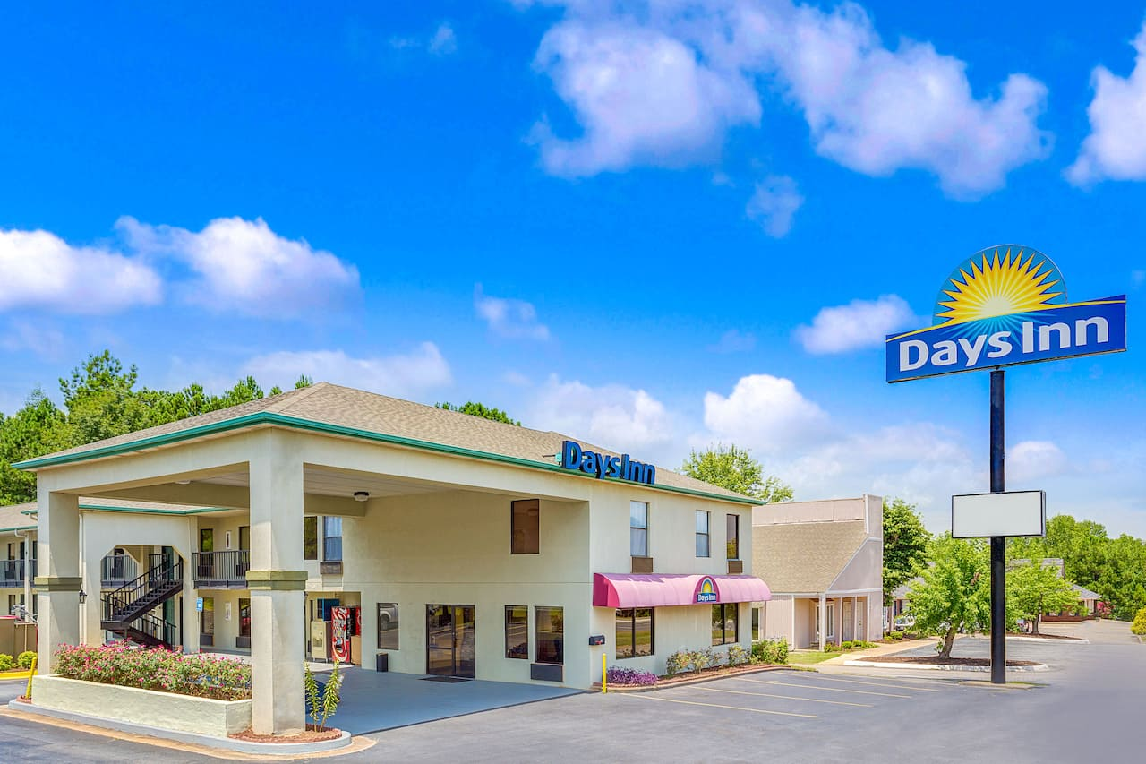 Days Inn Griffin in McDonough, Georgia
