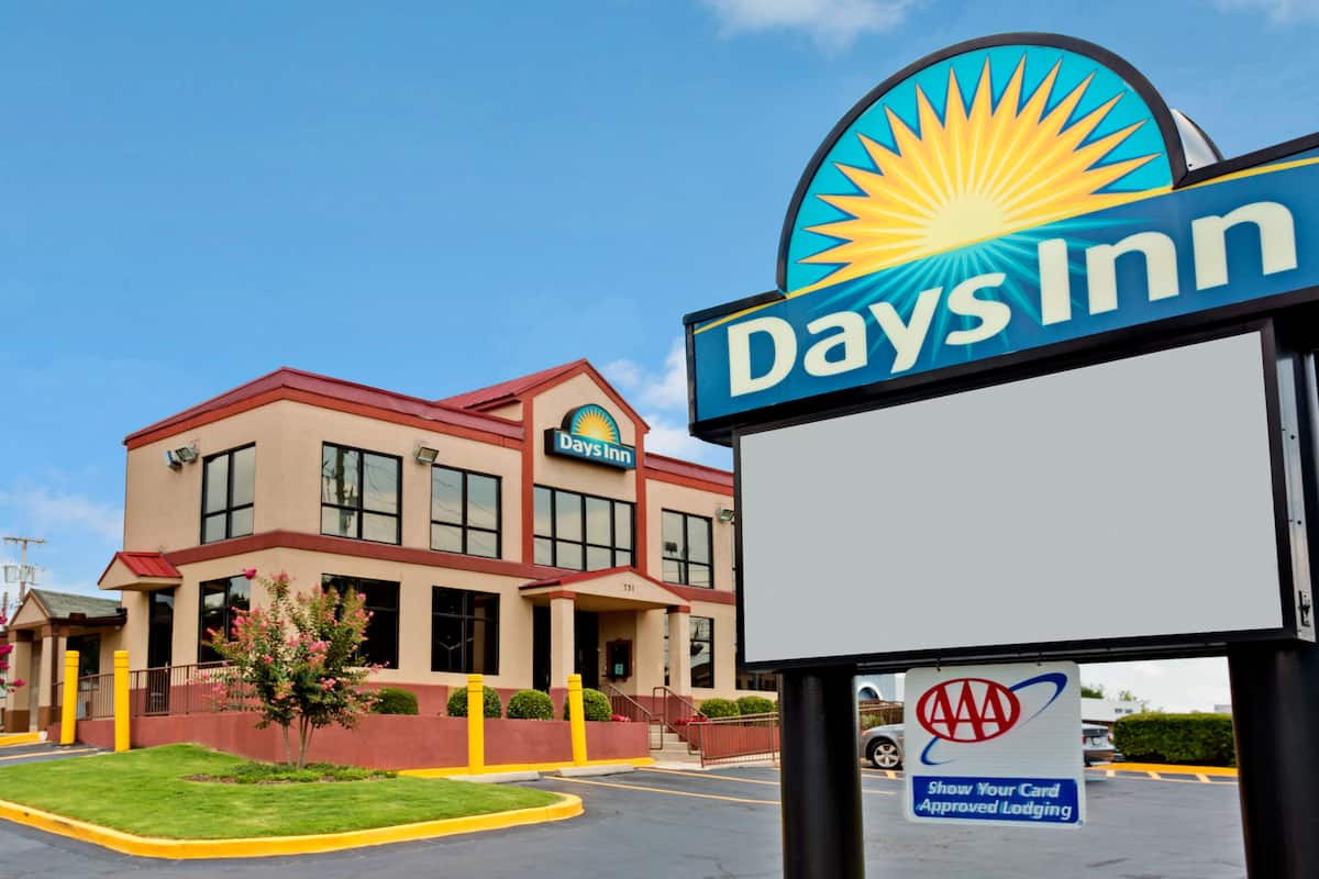 Exterior Of Days Inn By Wyndham Lawrenceville Hotel In Georgia