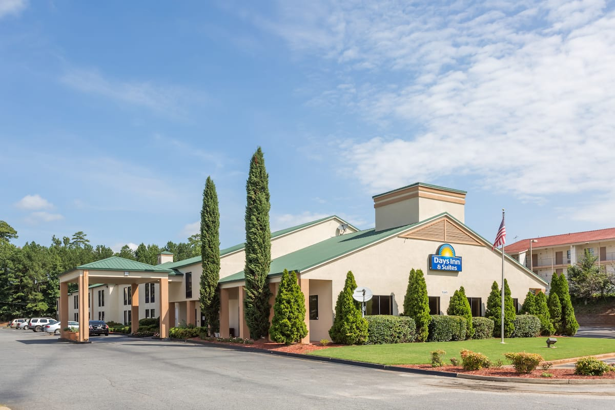 Exterior Of Days Inn Suites By Wyndham Norcross Hotel In Georgia