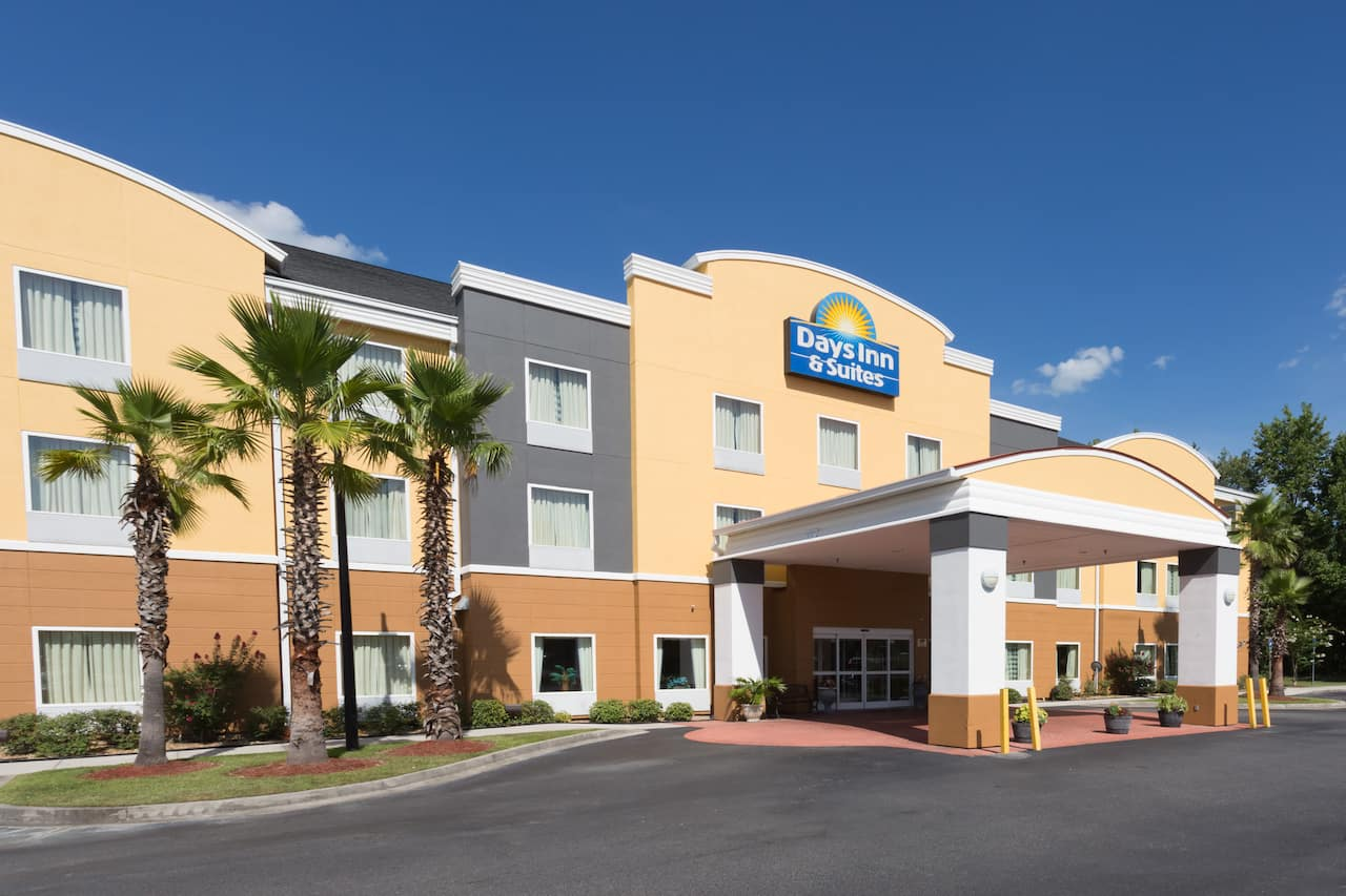 Days Inn Suites Savannah North I 95 In Port Wentworth Georgia