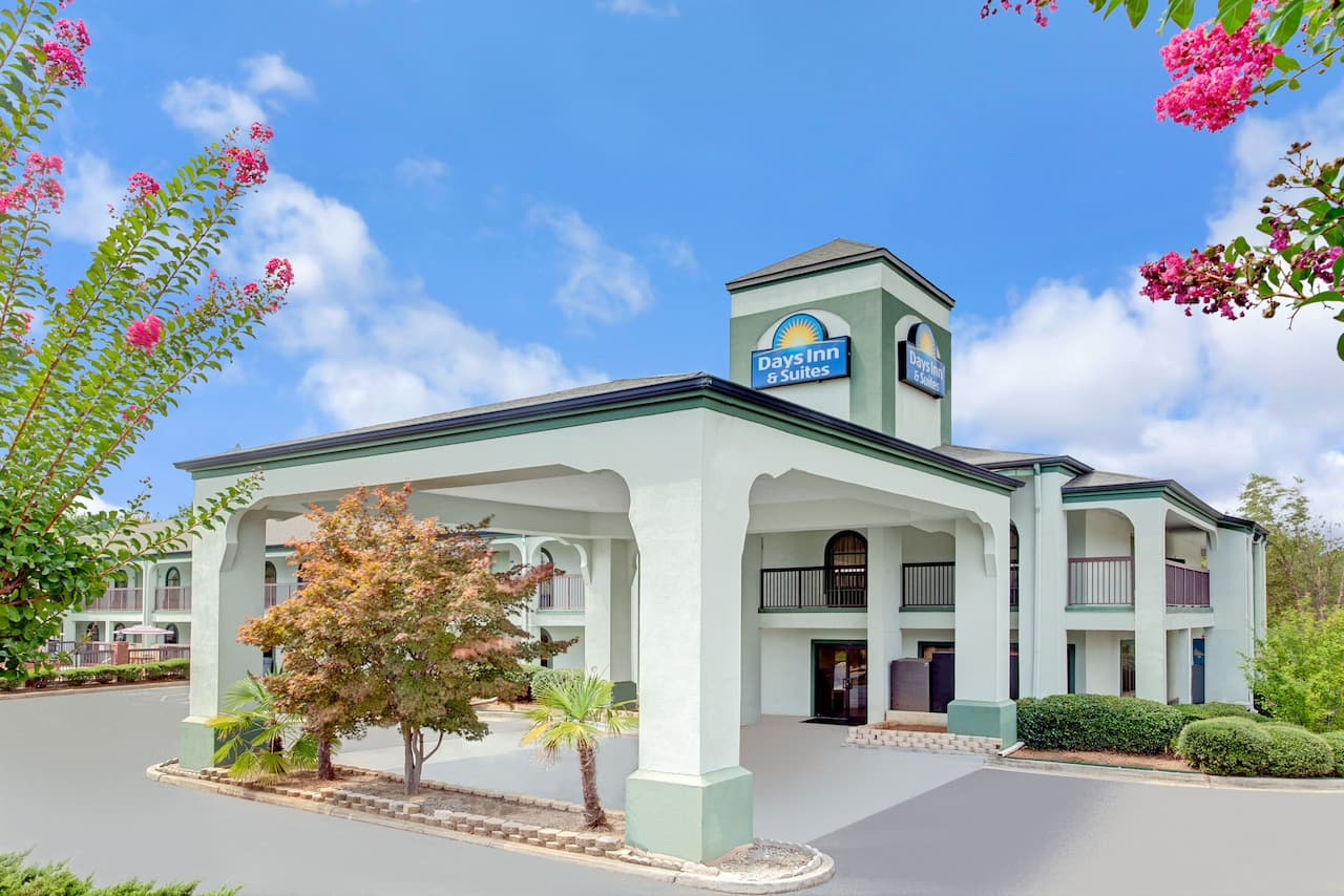 Days Inn & Suites Stockbridge South Atlanta in McDonough, Georgia