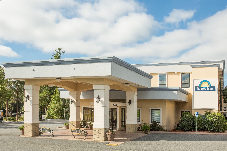 Exterior Of Days Inn Valdosta/Near Valdosta Mall Hotel In Valdosta, Georgia