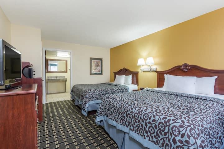 Guest room at the Days Inn & Suites Warner Robins Near Robins AFB in Warner Robins, Georgia