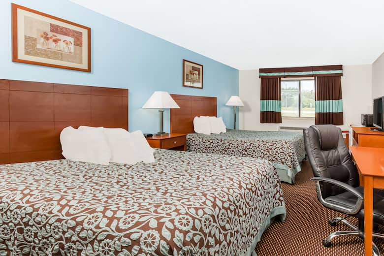 Guest Room At The Days Inn Ankeny