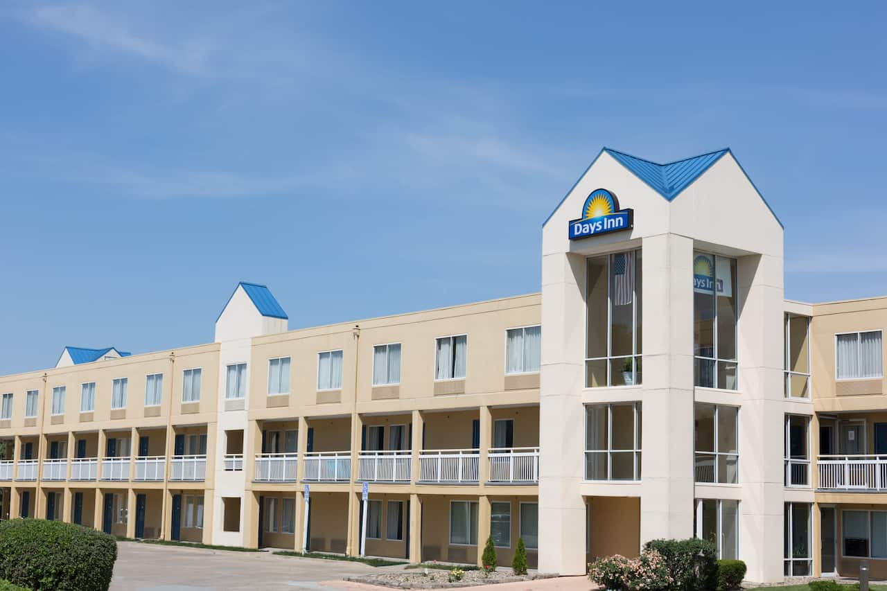 Days Inn Des Moines-West Clive in  West Des Moines,  Iowa