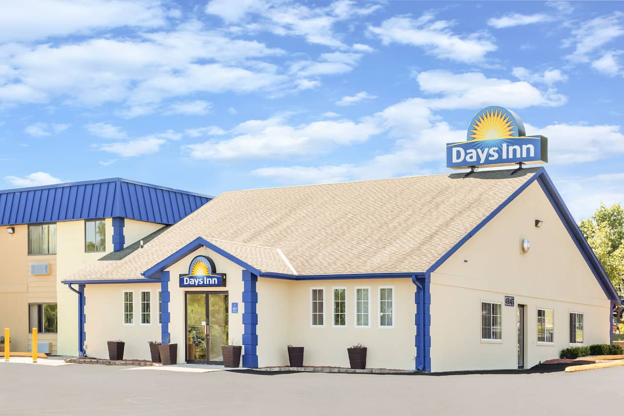 Days Inn Des Moines Merle Hay in  West Des Moines,  Iowa