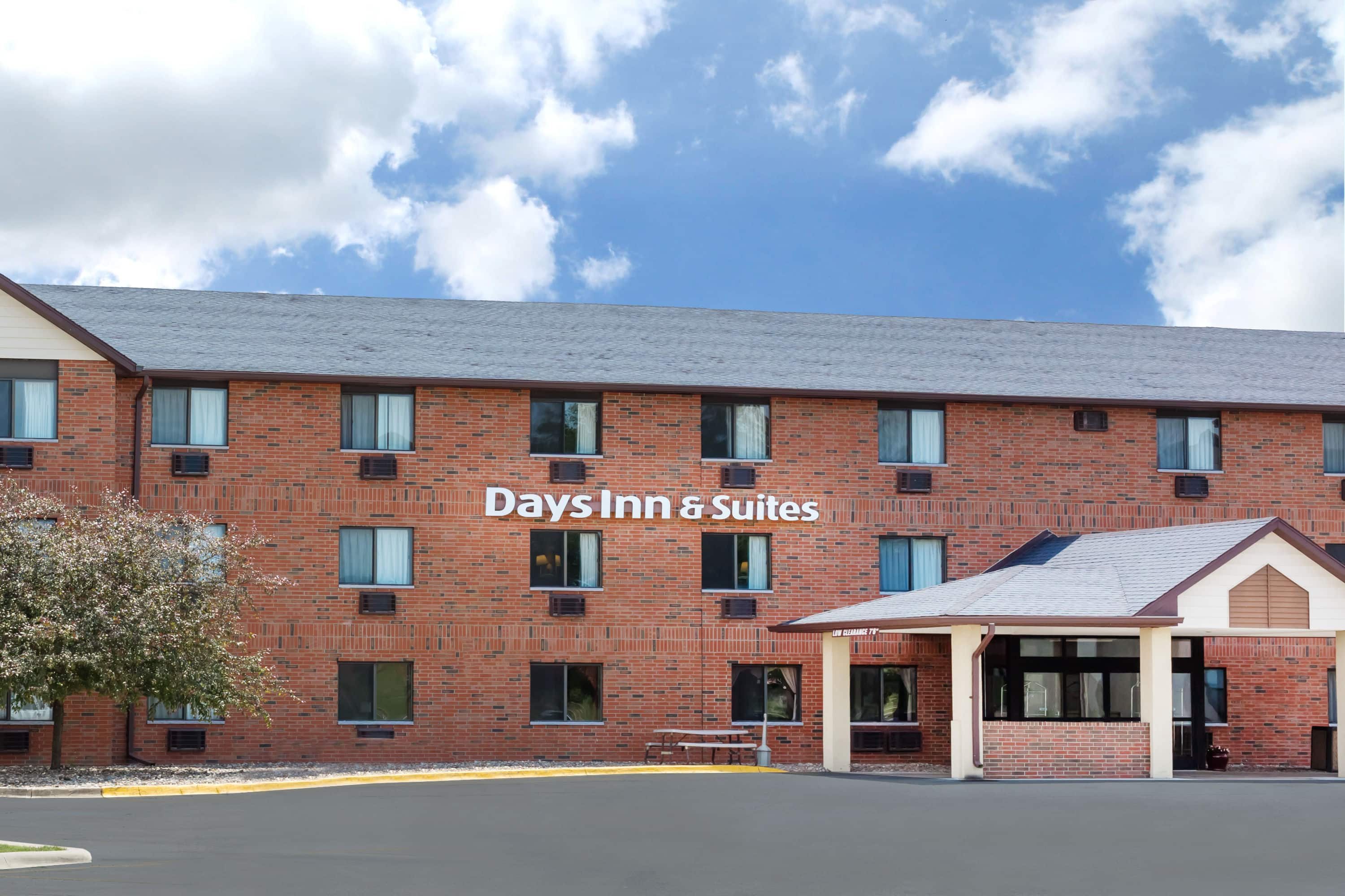 Days Inn & Suites by Wyndham Des Moines Airport | Des Moines ... Map Of Hotels Downtown Des Moines Iowa on map of california coast lompoc, map of glendale cemetery des moines ia, map of des moines county iowa, des moines skywalk hotels,
