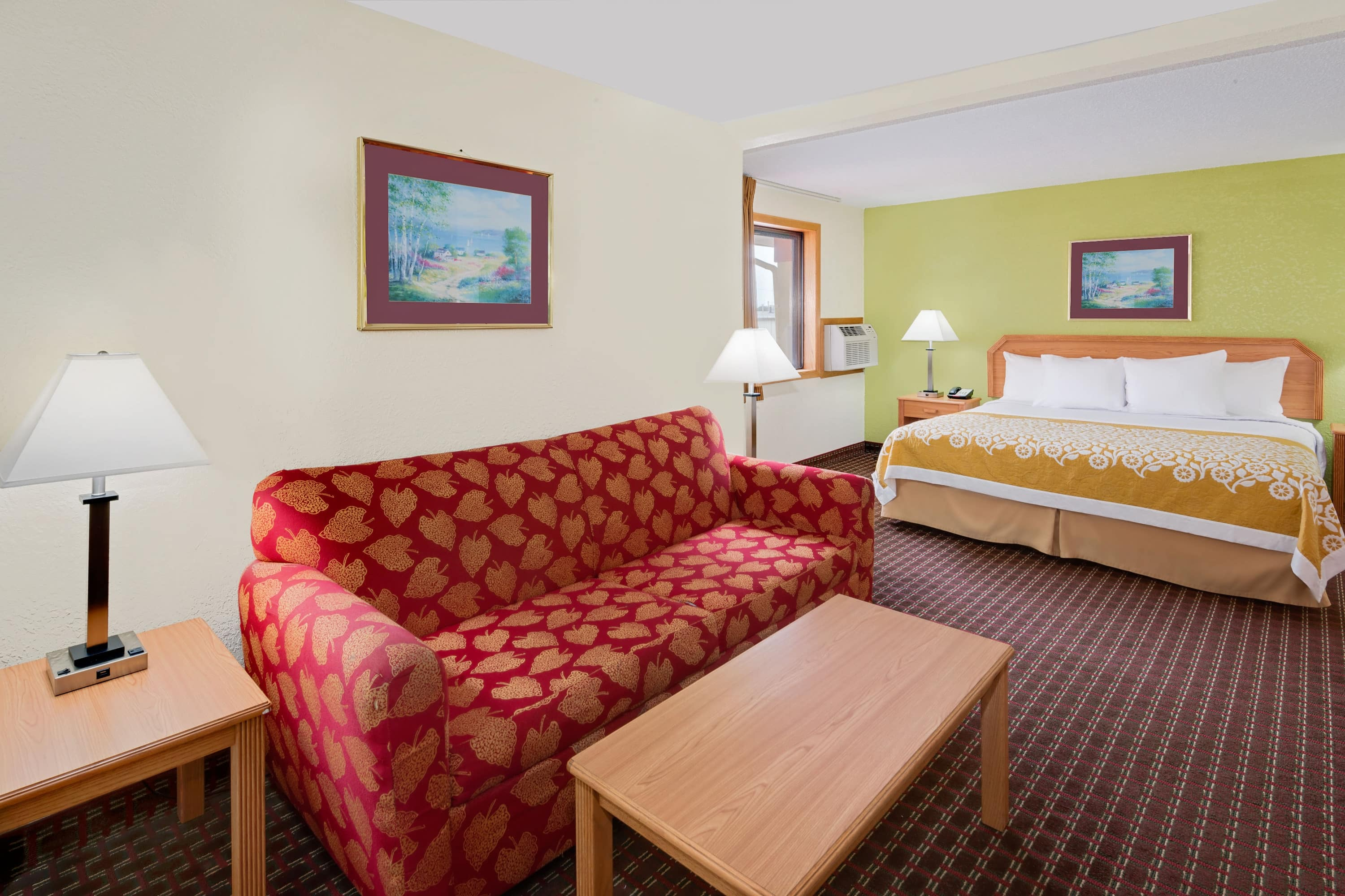 Days Inn Fort Dodge suite in Fort Dodge, Iowa