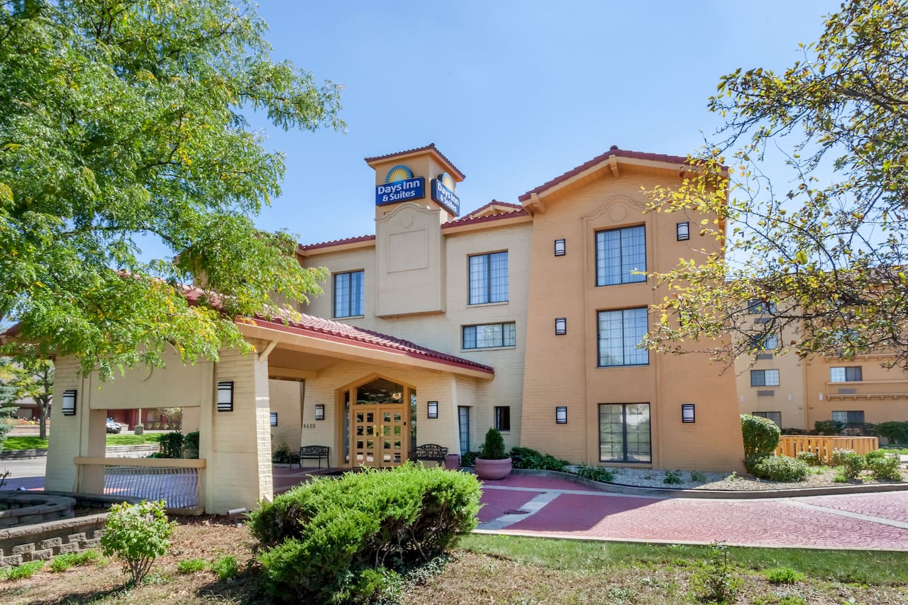 Days Inn & Suites by Wyndham Arlington Heights à Chicago, Illinois