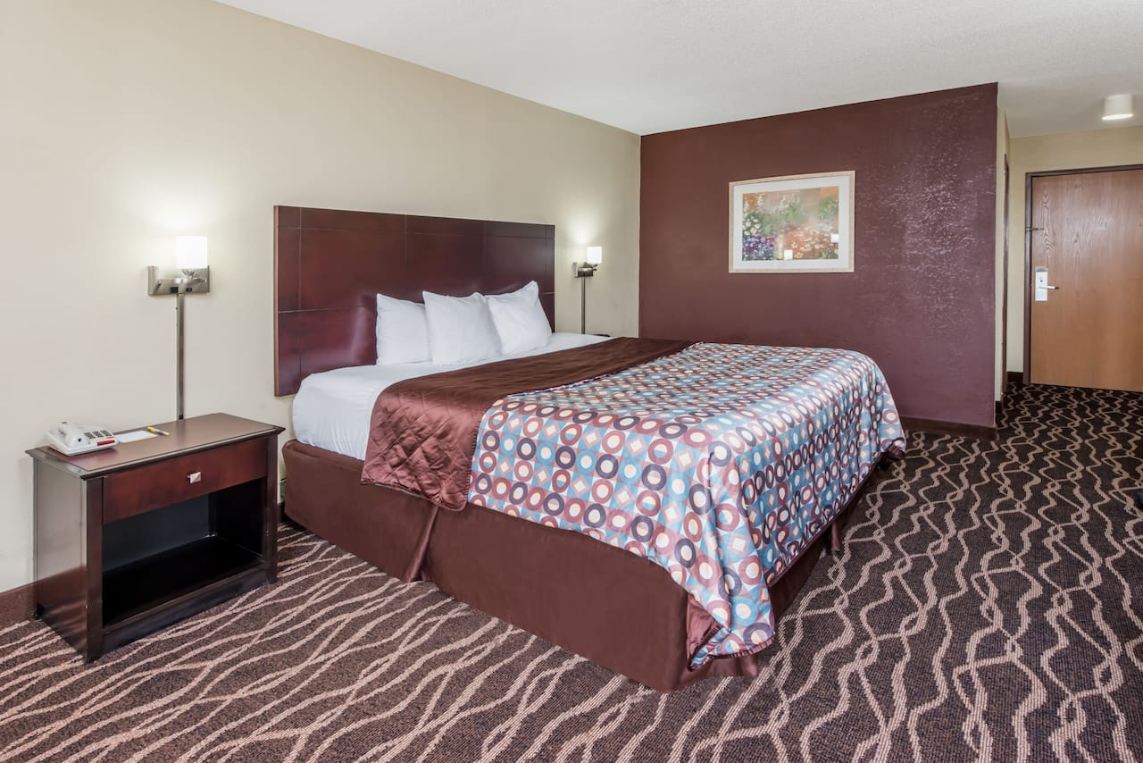 at the Days Inn & Suites Casey in Casey, Illinois