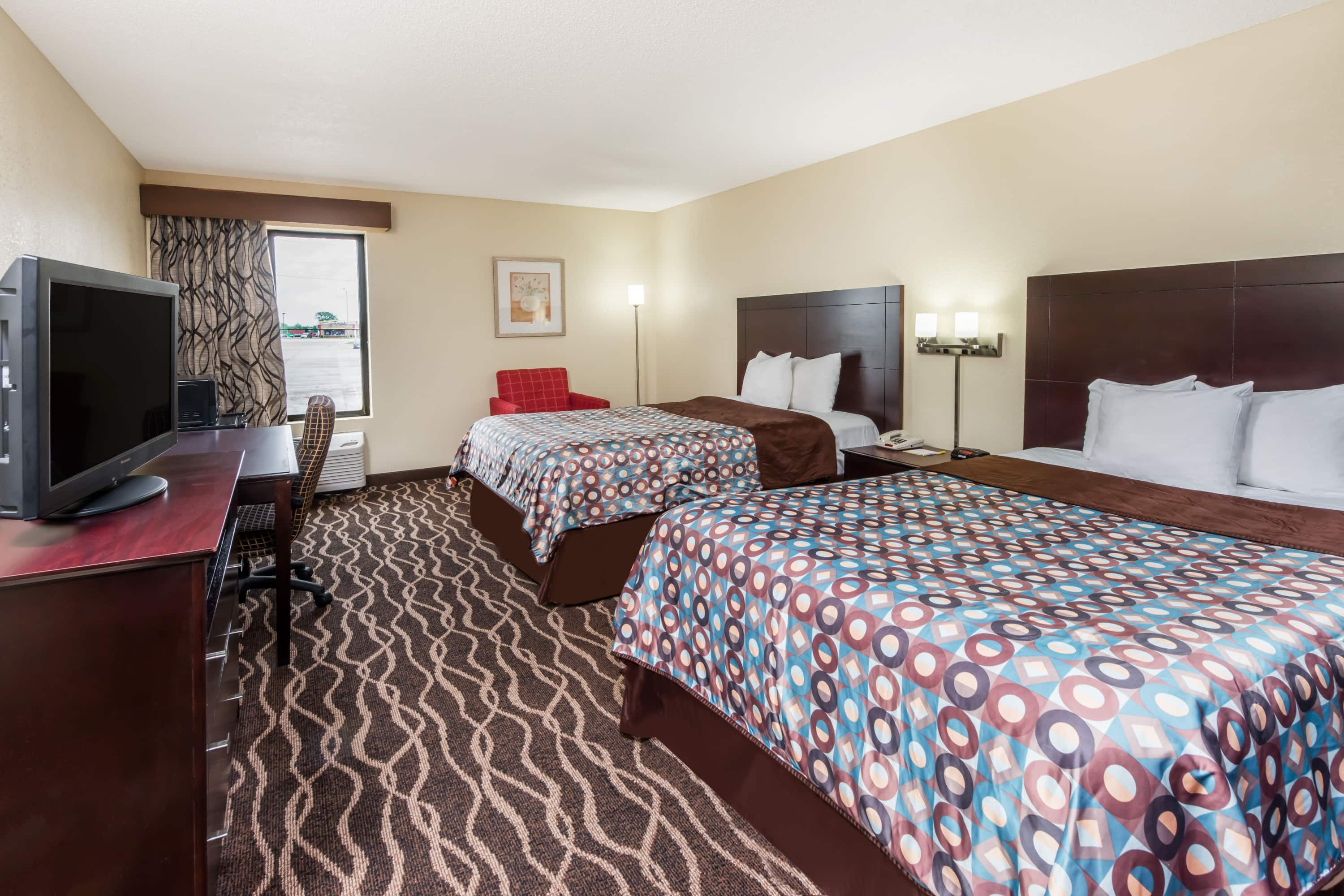 Guest room at the Days Inn & Suites Casey in Casey, Illinois