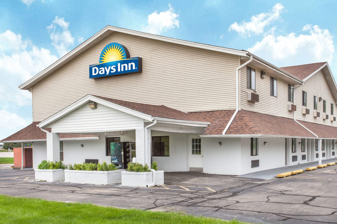 Days Inn Farmer City in Urbana, Illinois
