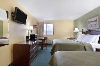 Guest room at the Days Inn Morton in Morton, Illinois