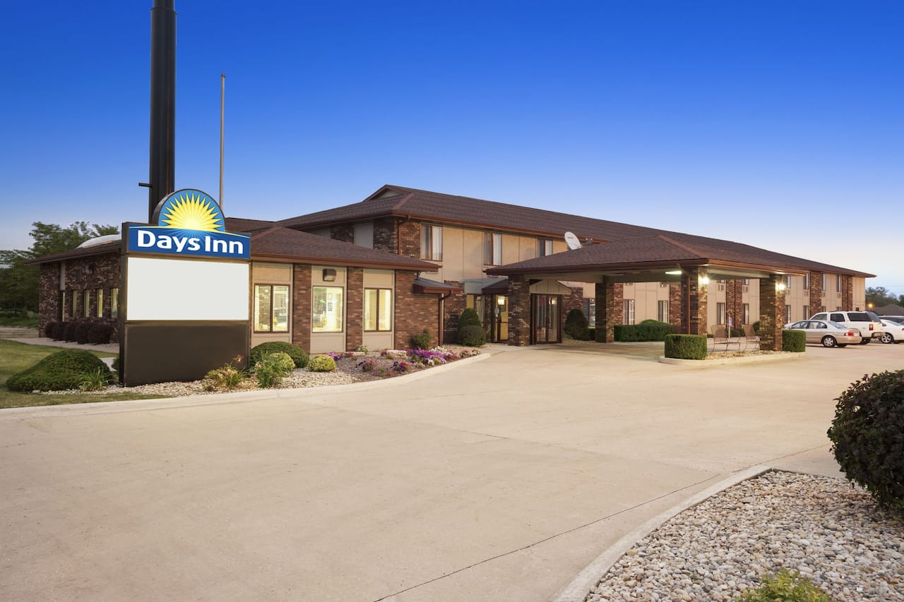 at the Days Inn Oglesby/ Starved Rock in Oglesby, Illinois