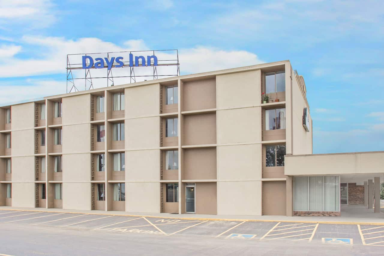 Days Inn Princeton in Oglesby, Illinois