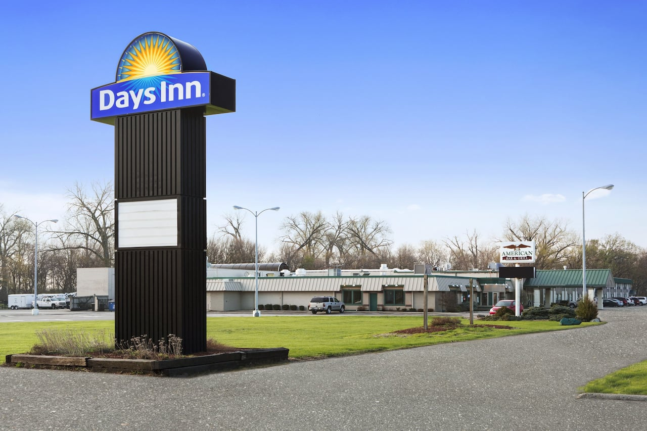 Days Inn - Rock Falls in Sterling, Illinois