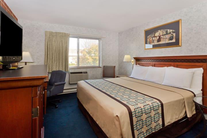 Guest room at the Days Inn Rockford in Rockford, Illinois