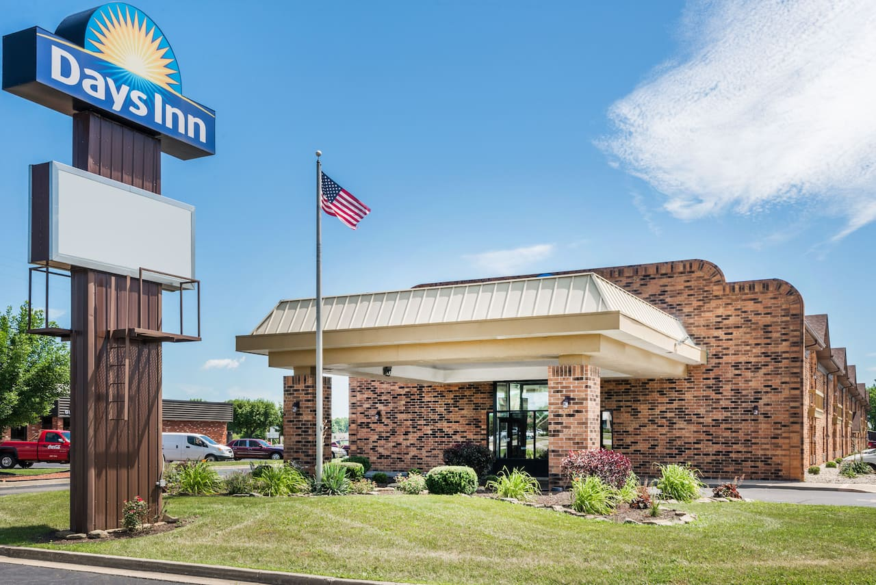 Days Inn - Anderson IN in  Greenfield,  Indiana