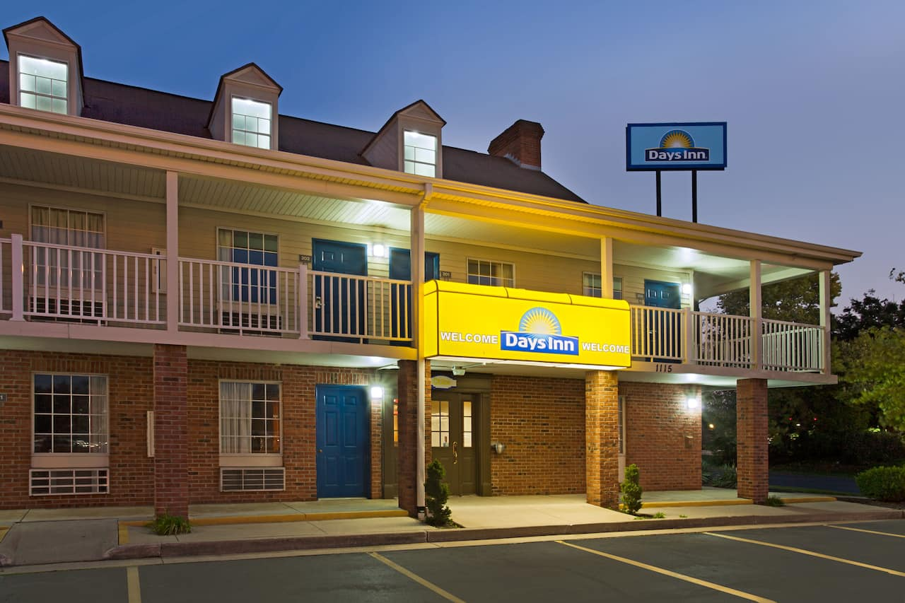 Days Inn Auburn in Fort Wayne, Indiana