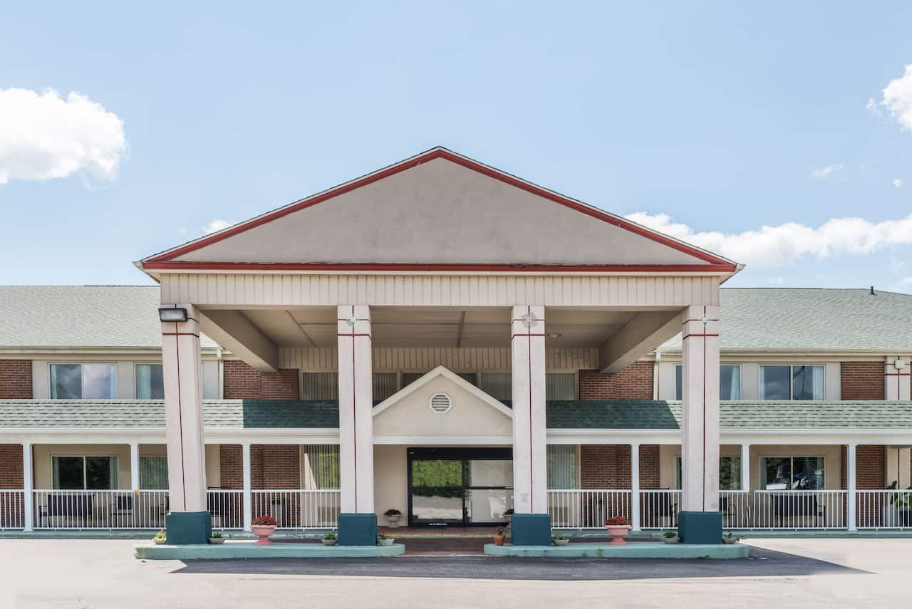 Days Inn - Columbus IN in  Shelbyville,  Indiana