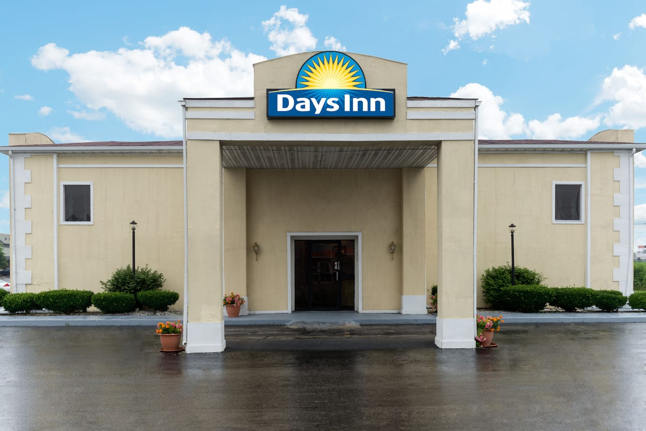 Days Inn Indianapolis East Post Road in  Shelbyville,  Indiana