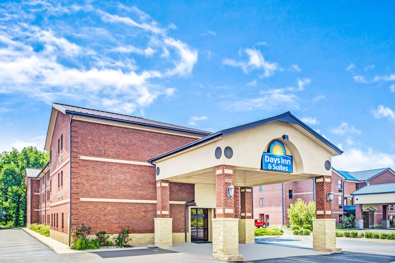 Days Inn & Suites Jeffersonville IN in Corydon, Indiana