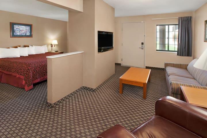 Guest room at the Days Inn & Suites Kokomo in Kokomo, Indiana