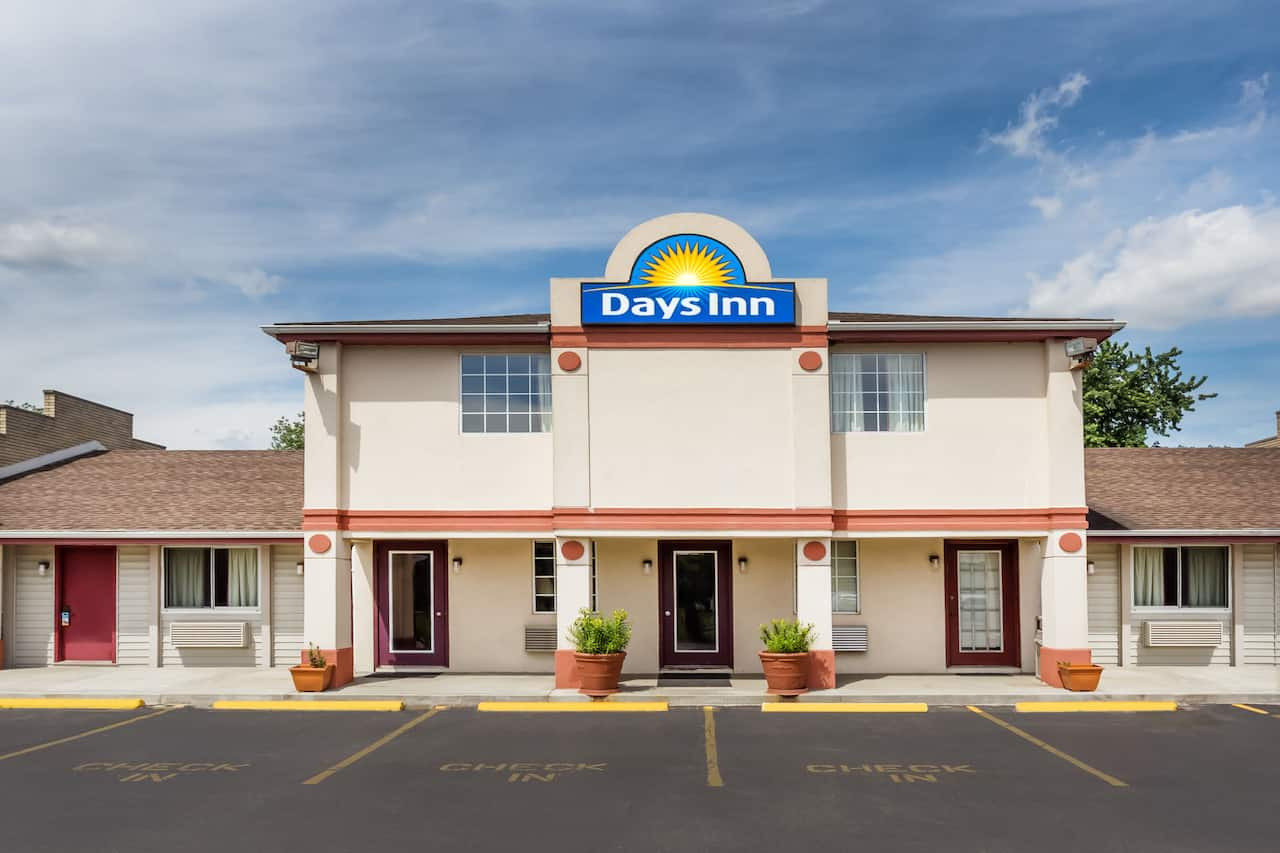 Days Inn Plymouth in South Bend, Indiana