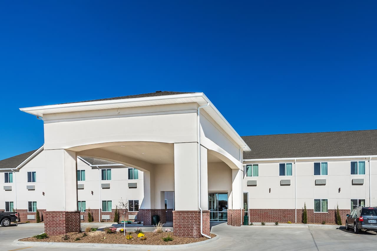 Days Inn and Suites El Dorado in Andover, Kansas