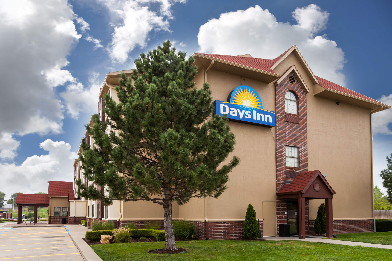 Days Inn By Wyndham Near Kansas Speedway Kansas City Ks Hotels