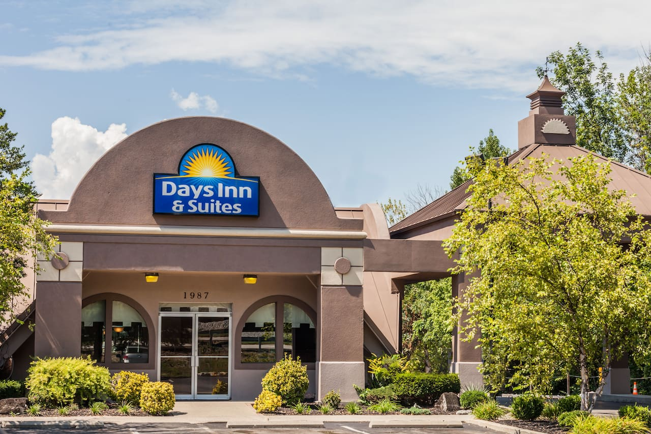 Days Inn & Suites Lexington in Lexington, Kentucky