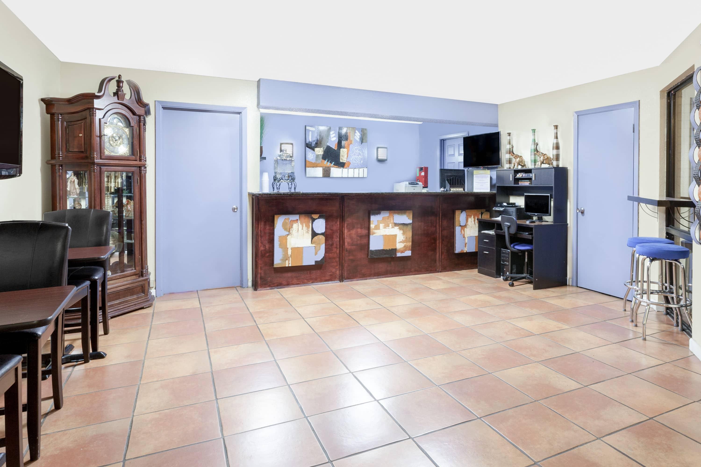 Best Days Inn Arcadia Hotel Lobby In Louisiana With Hotels Near Fl