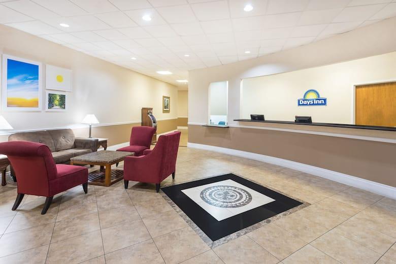 Days Inn Gretna New Orleans Hotel Lobby In Louisiana
