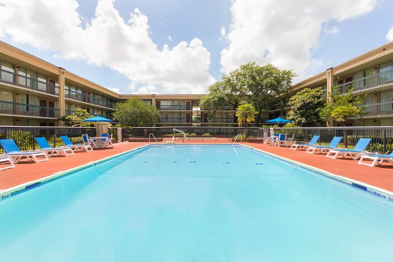 Pool At The Days Inn Gretna New Orleans In Louisiana