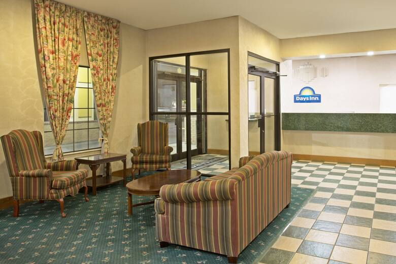 Days Inn Hammond Hotel Lobby In Louisiana
