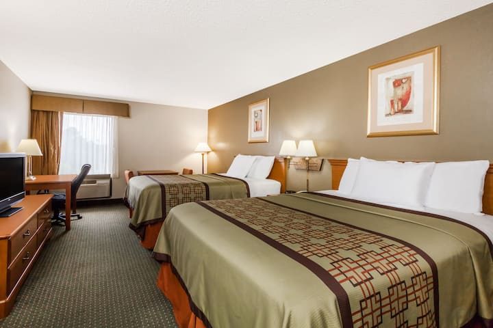 Guest room at the Days Inn & Suites New Iberia in New Iberia, Louisiana