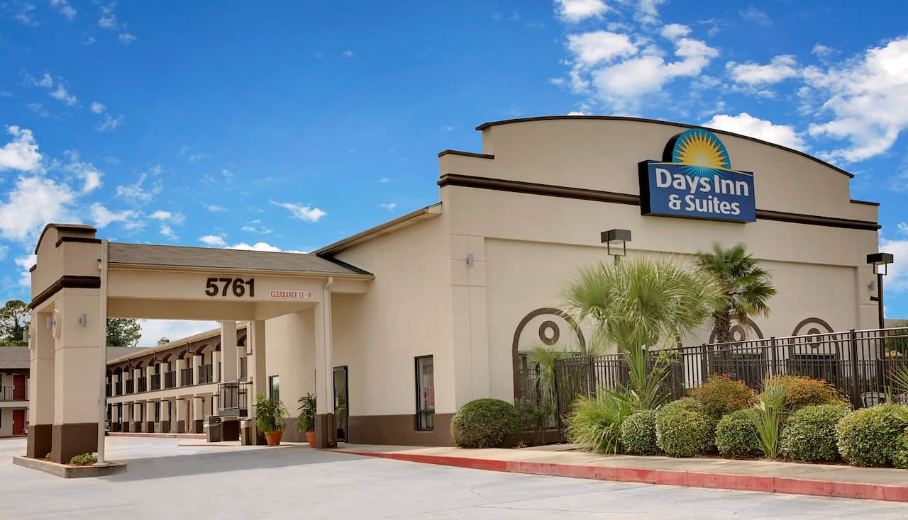 Days Inn & Suites Opelousas in Opelousas, Louisiana