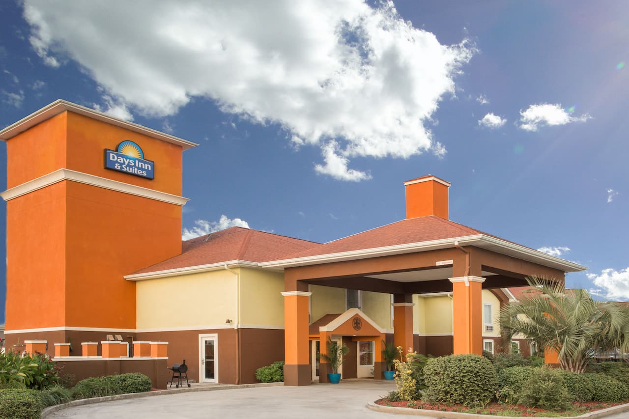 Days Inn & Suites Thibodaux in Houma, Louisiana