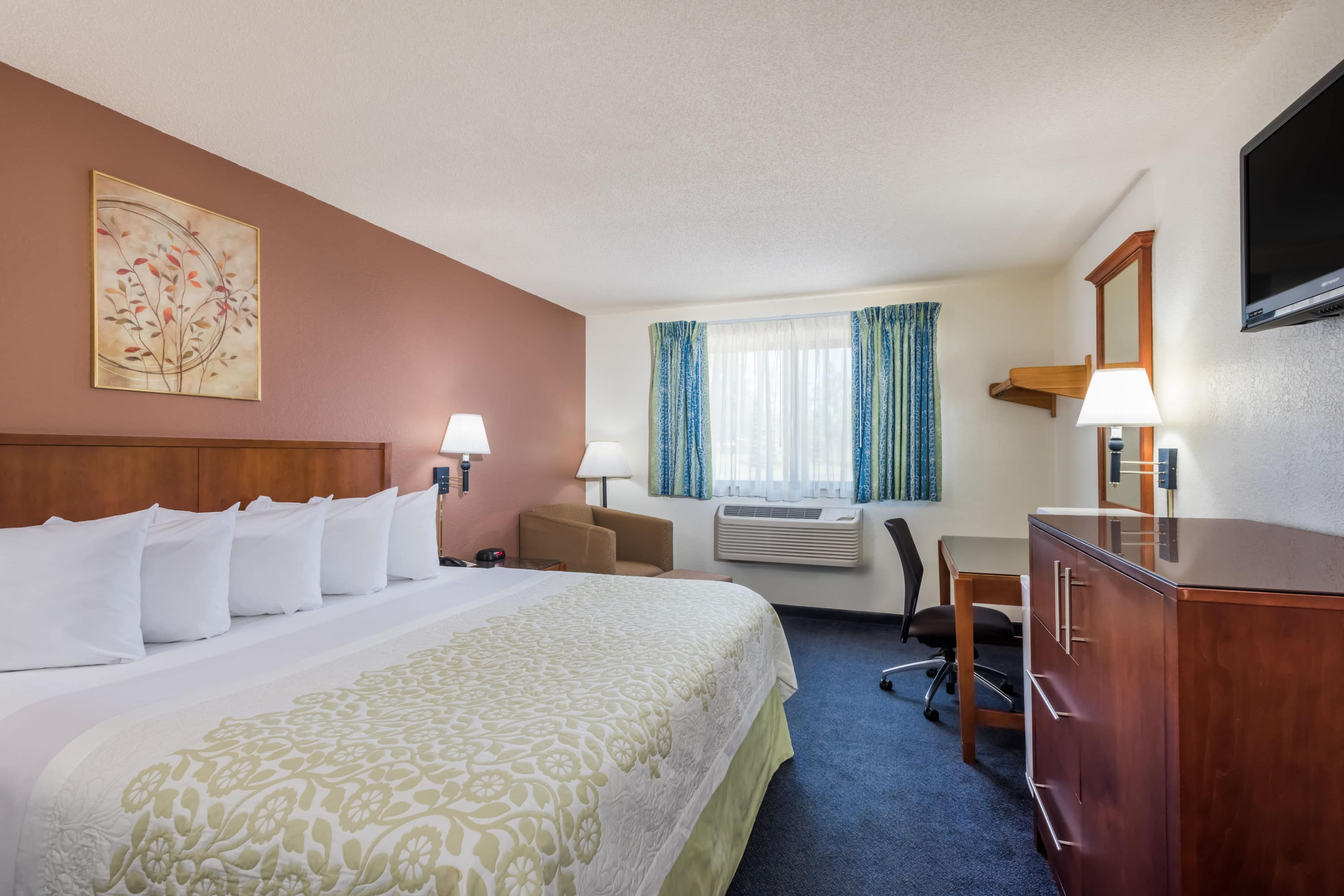 Guest room at the Days Inn Greenfield in Greenfield, Massachusetts