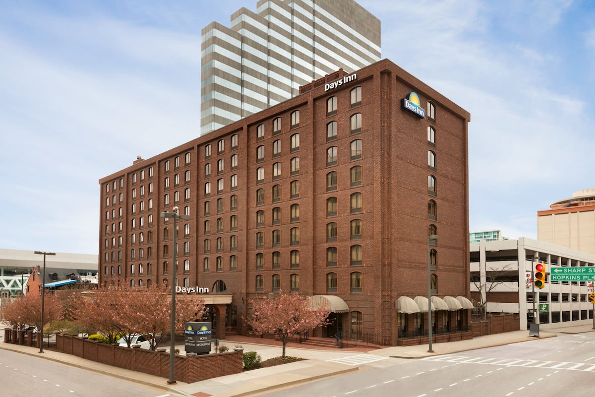 Exterior Of Days Inn By Wyndham Baltimore Inner Harbor Hotel In Maryland