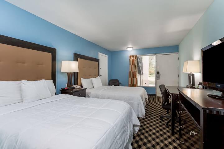 Guest room at the Days Inn Salisbury in Salisbury, Maryland