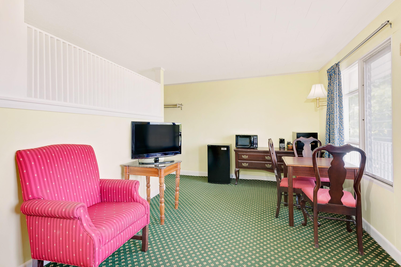 Guest room at the Days Inn Bar Harbor in Bar Harbor, Maine