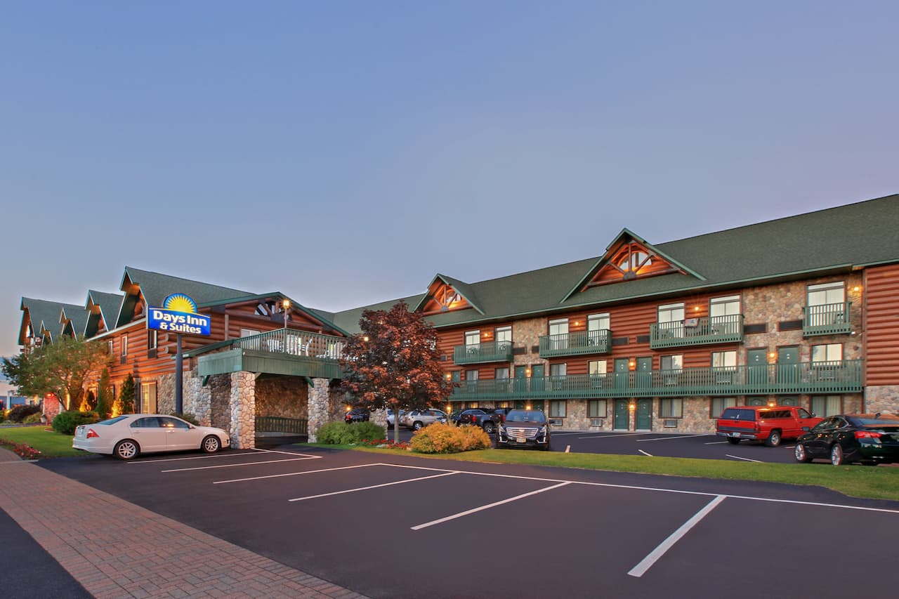Days Inn & Suites-Mackinaw City-Bridgeview Lodge in  Mackinaw City,  Michigan