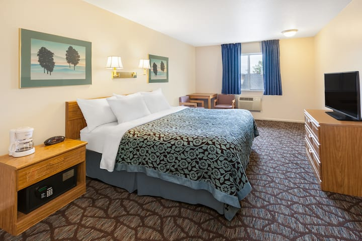 Guest room at the Days Inn Manistee in Manistee, Michigan